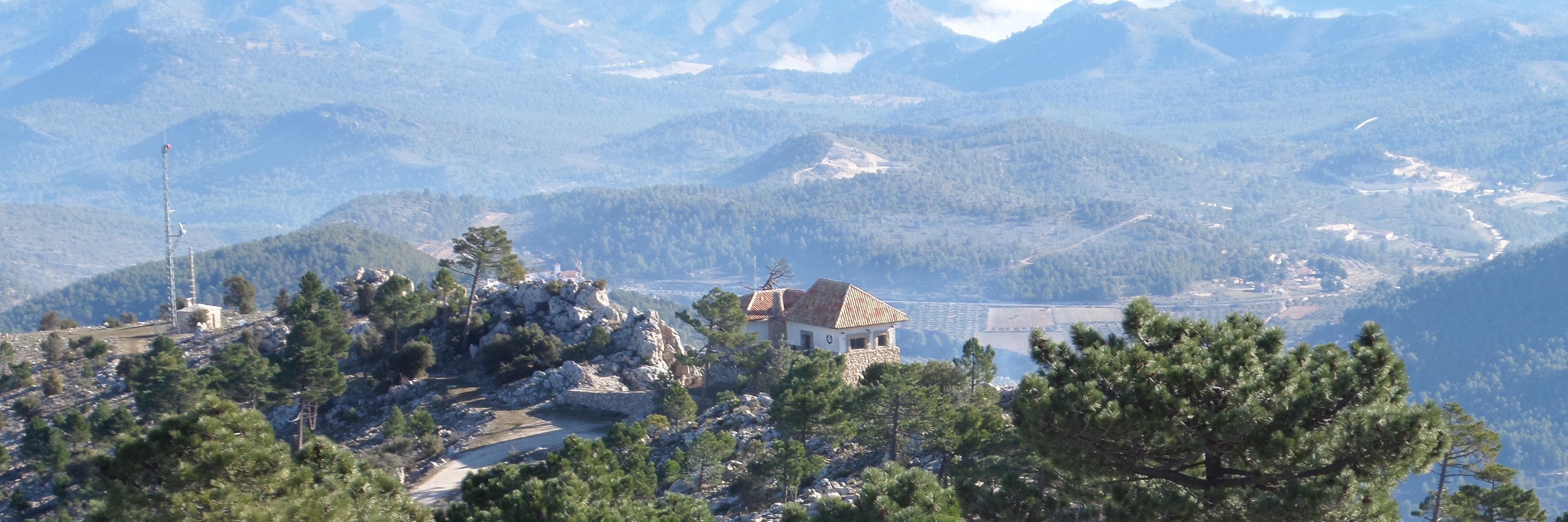 Refugio forestal del monte Ardal.