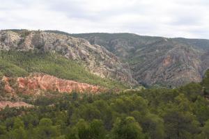 Las cárcavas de Fonseca y los Cuchillos de Contreras vistos desde el camino que baja a la Fonseca